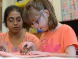 Aluno com baixa visão: lista completa de adaptações para inclusão em sala de aula