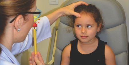 exame de vista em crianças - exame de motilidade ocular