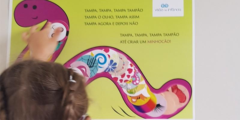 cartaz de recompensa por uso do tampão ocular
