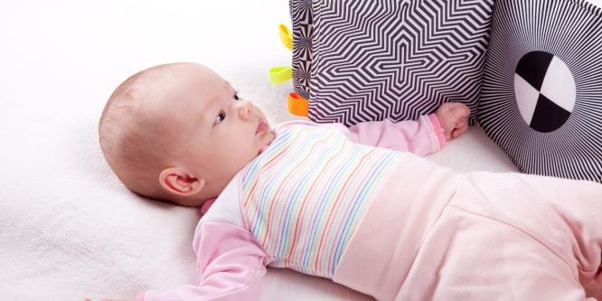 Seu bebê não fixa o olhar? Veja o que você pode fazer!